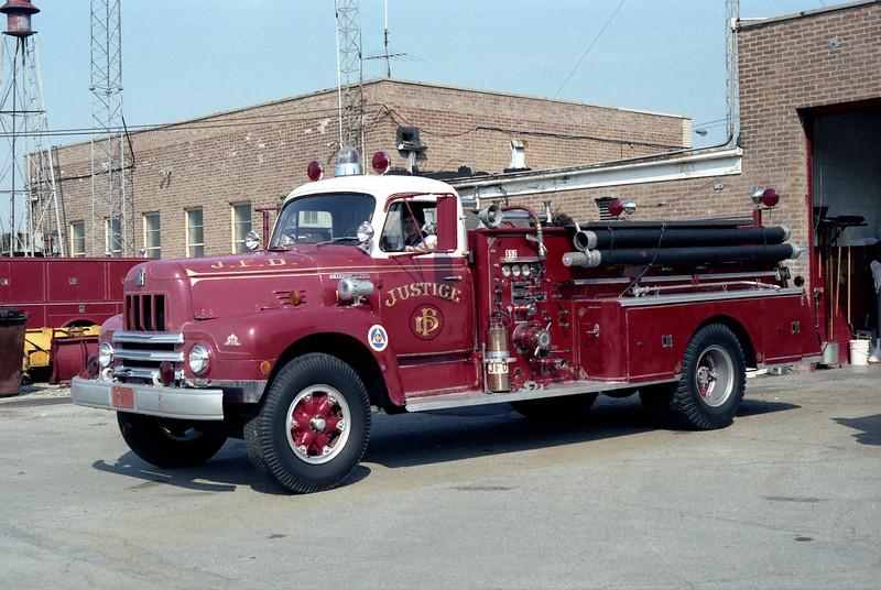 JUSTICE ENGINE 552   1952 IHC R190 - DARLEY  750-500.jpg