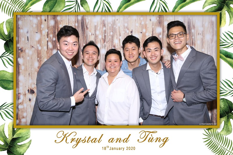 Krystal-Tung-wedding-instant-print-photo-booth-in-Ho-Chi-Minh-City-Chup-hinh-lay-lien-Tiec-cuoi-WefieBox-Photobooth-Vietnam-058.jpg