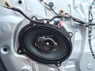 2009 Toyota Camry Front Door Speaker Installation - Australia