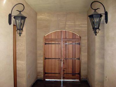 Zaguan entry doors