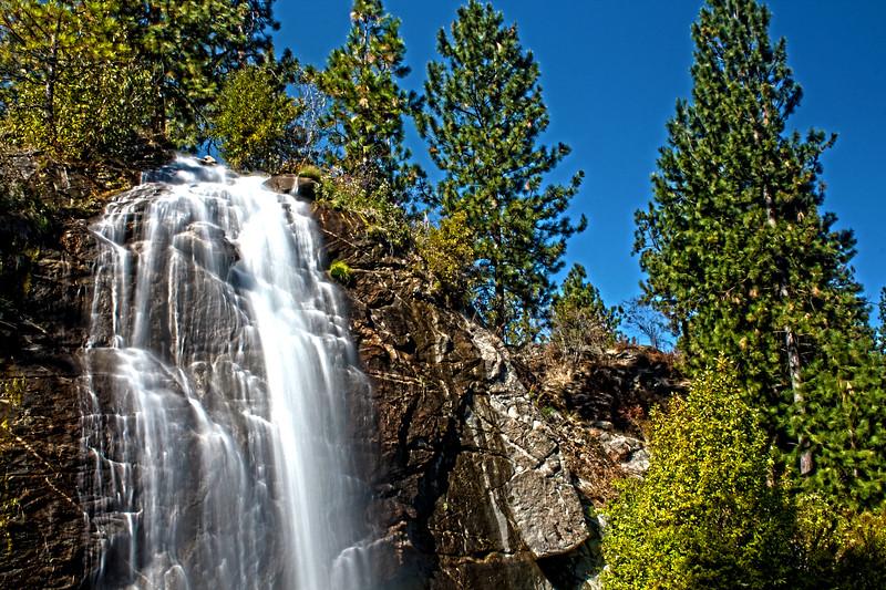 Mirabeau_Waterfall_HDR3.jpg