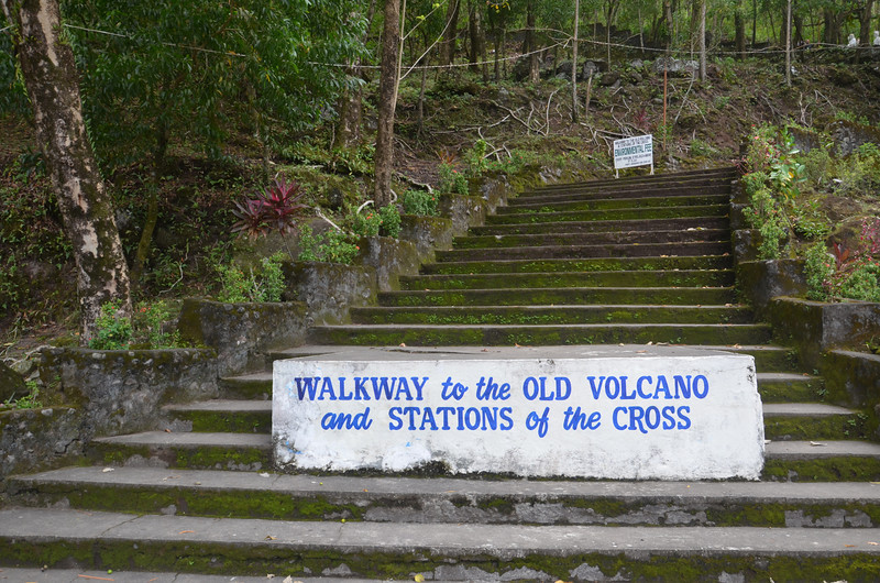 DSC_7505-stations-of-the-cross-walk.JPG