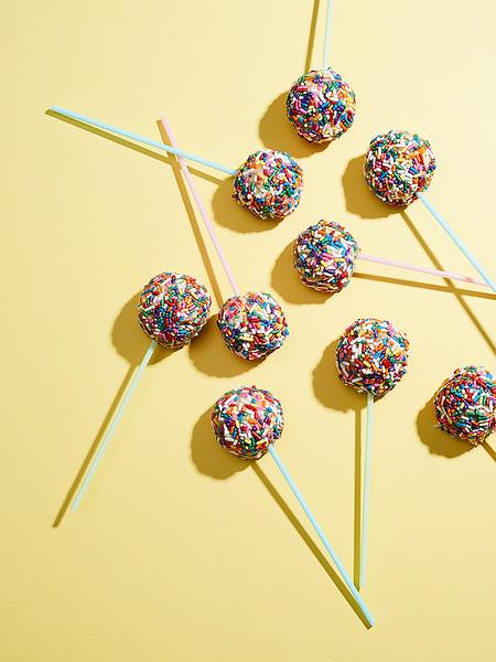 Creative-Space-Artists-photo-agency-photo-rep-food-stylist-diana-yen-no_bake_funfetti_lollipops.jpg