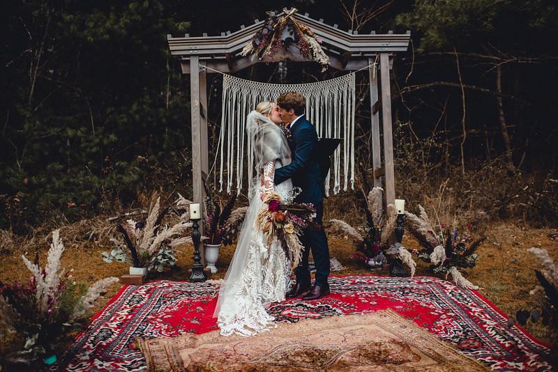 Requiem Images - Luxury Boho Winter Mountain Intimate Wedding - Seven Springs - Laurel Highlands - Blake Holly -1086.jpg