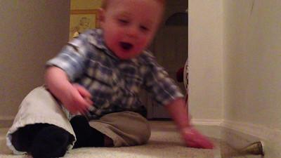 2012-11-17 Leonidas discovers a flexible door stop at his grandparents