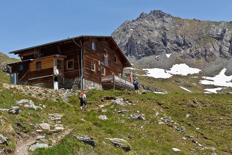 De laatste loodjes naar de Eisseehütte. Vandaag 11,88km gelopen van Jonannishuette (2121m) via Neue Sajathütte (2600M) naar de Eisseehütte (2521m). www.eisseehuette.at