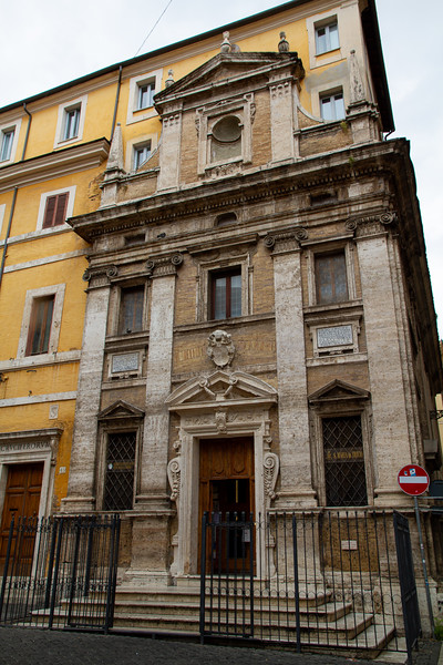 Santa Maria in Trivio -  Piazza dei Crociferi