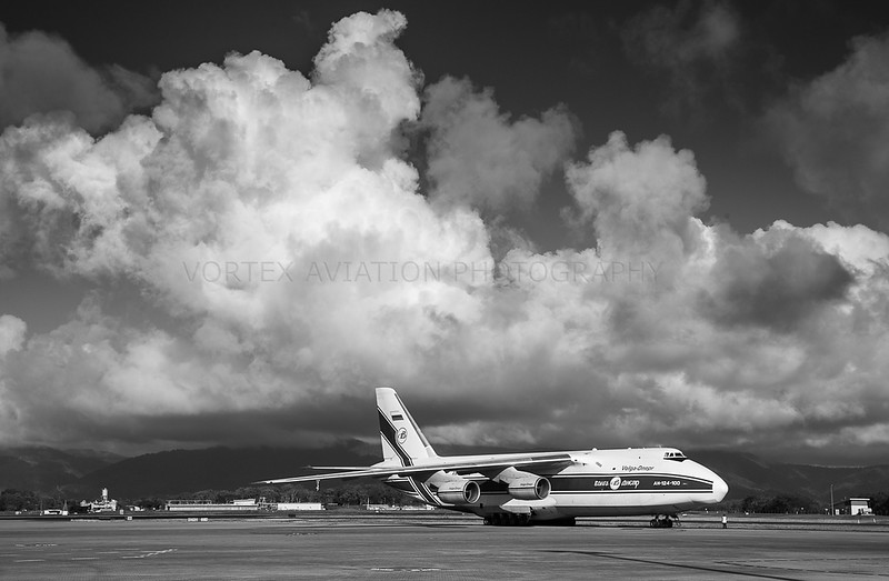 AN-124 Condor comes to Cairns