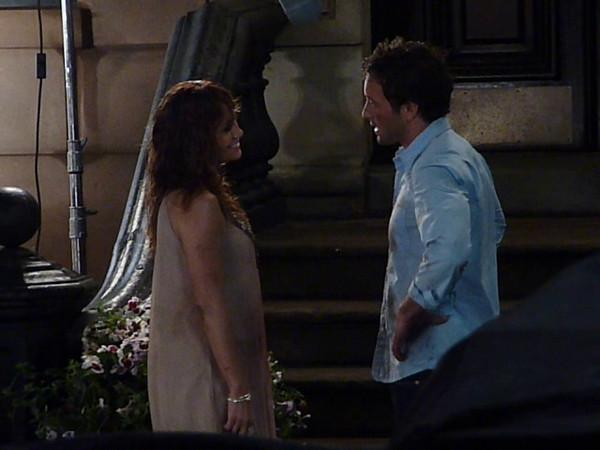 2009-07-21 - Jennifer Lopez kisses Alex O'Loughlin