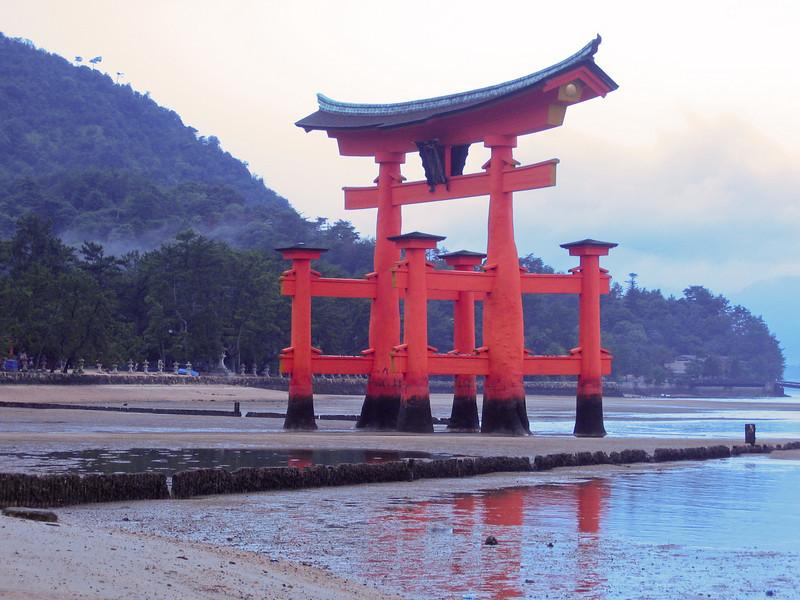 Torri Gate - digital photo (Canon S500) - Summer 2006