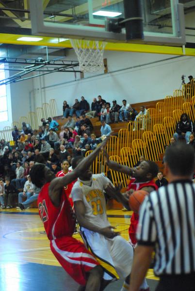 20090301_MCC Basketball_5632.JPG