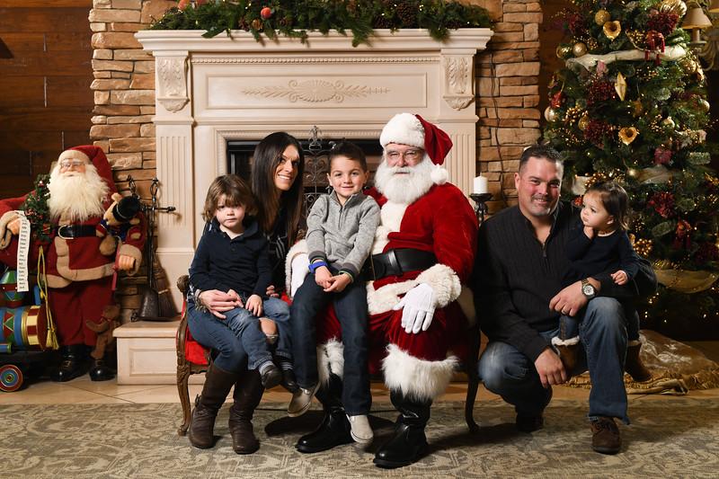Santa2018.TylerBoye.-251.jpg
