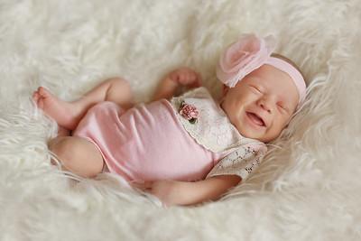 Annalise Senzig- Newborn