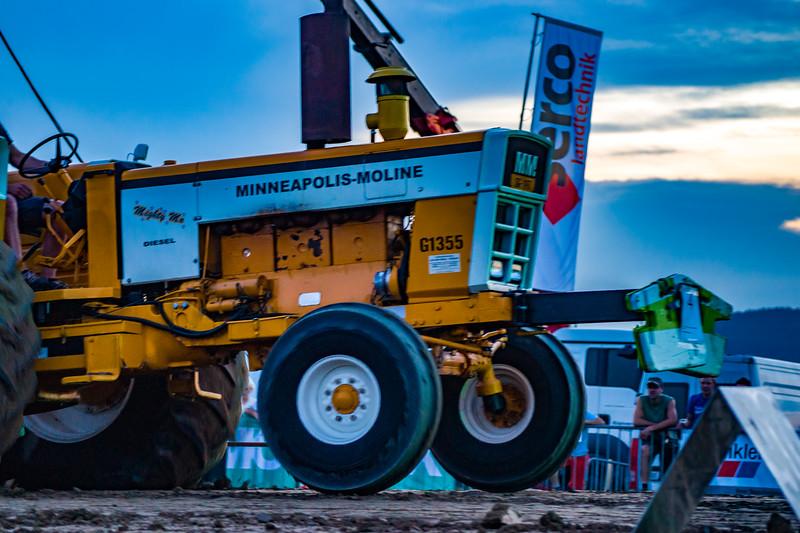 Tractor Pulling 2015-01734.jpg