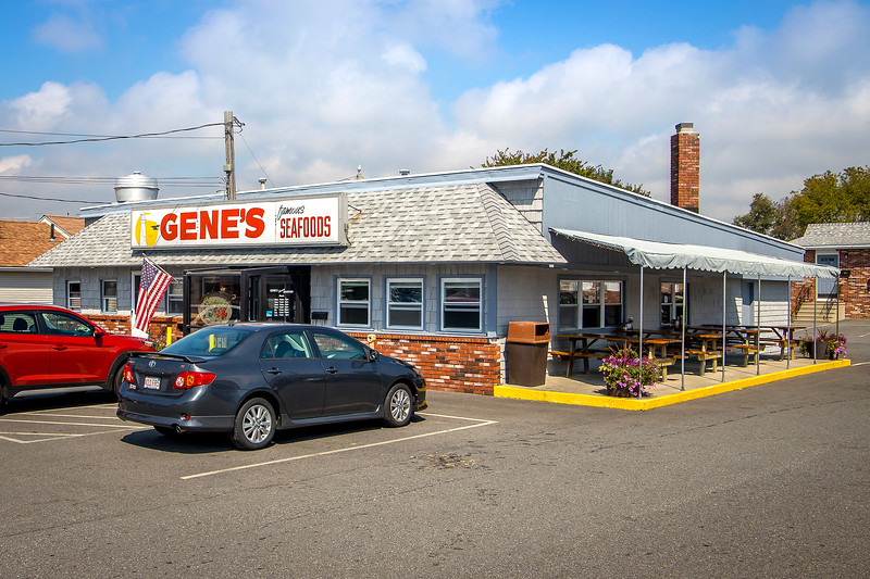 Gene's Famous Seafoods