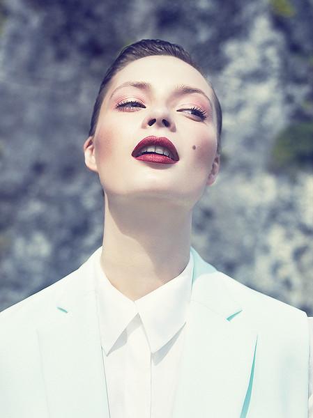 stylist-jennifer-hitzges-magazine-fashion-lifestyle-creative-space-artists-management-42.jpg