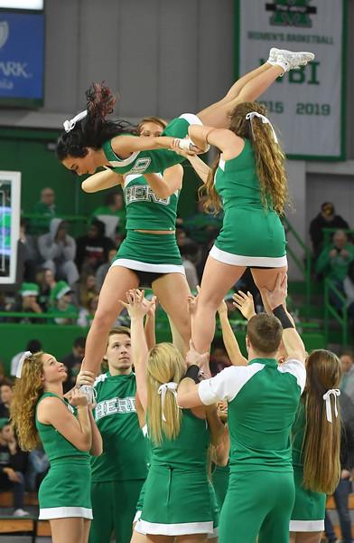 cheerleaders4677.jpg