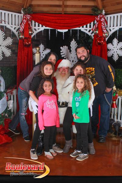 Santa 12-10-16-373.jpg