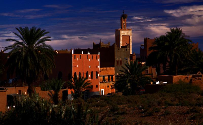 Ouarzazate. Près de la kasbah de Taourirt..jpg