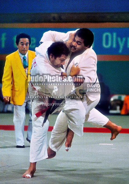 1984 Los Angeles Olympics 0803B7511 Angelo Parisi FRA scores ippon against Eldigwy EGY