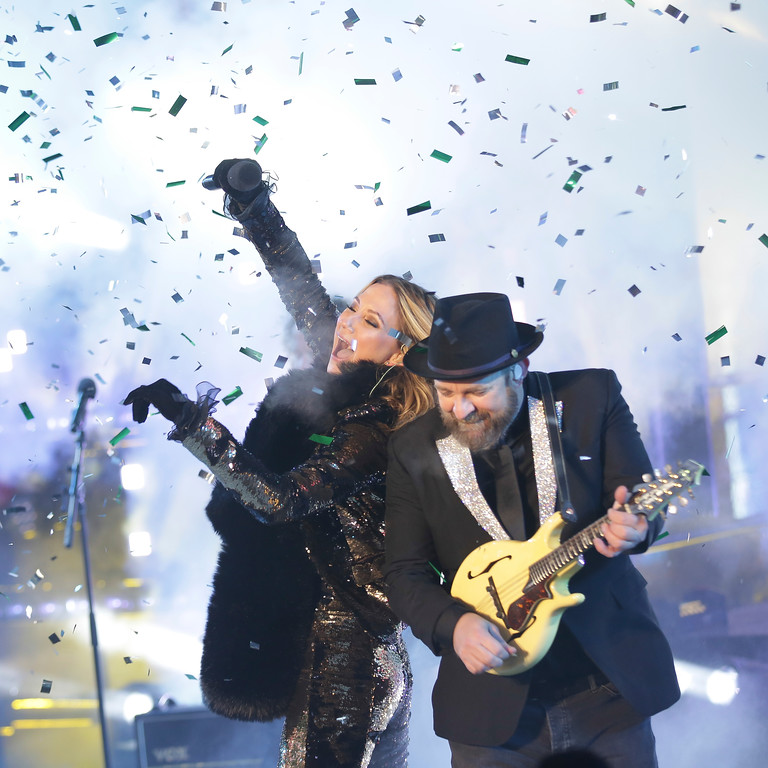 . Jennifer Nettles, left, and Kristian Bush, of Sugarland, perform on stage at the New Year\'s Eve celebration in Times Square on Sunday, Dec. 31, 2017, in New York. (Photo by Brent N. Clarke/Invision/AP)