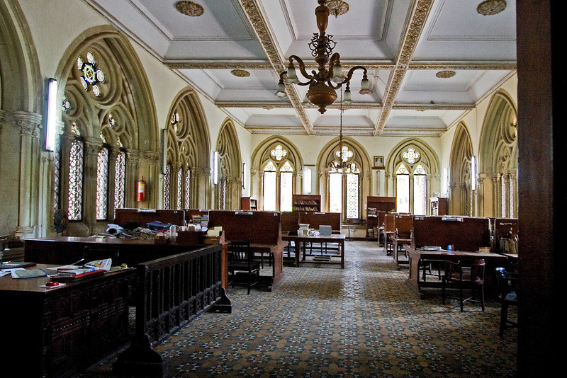 Mumbai University Library Inside.jpg