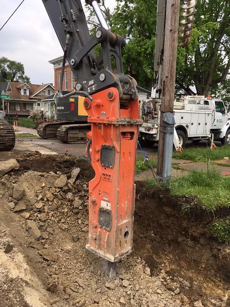 Ken Skala - NPK GH18 with hammer mounted autolube on Deere 470G trenching - Ironclad Excavating - Huntinton, IN - May 2018 (5).JPG