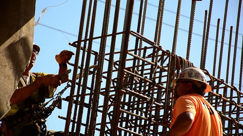 2015-02-09bridge construction 7.MOV