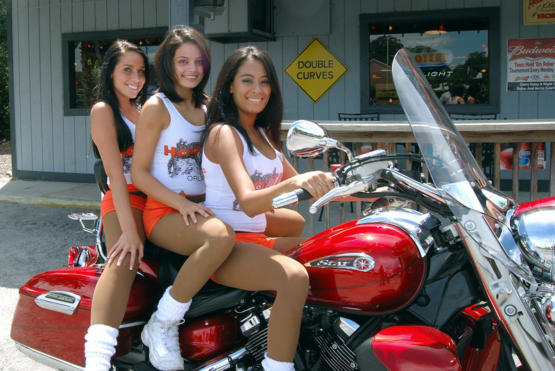 024 Ashley and friends at the Hooters of Casselberry Floriday.jpg