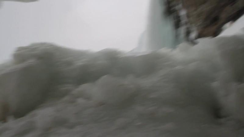 ZZ-Niagra Falls Movie (2).MOV