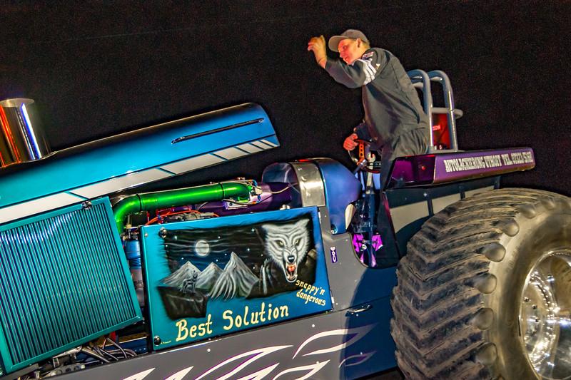 Tractor Pulling 2015-08375.jpg