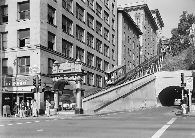 1960-10-02_HistoricAmericanBuildings_AngelsFlight01.jpg
