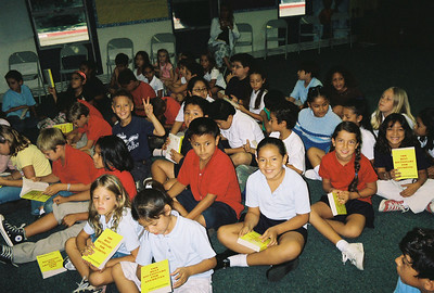2006 - Sept (Elks give Dictionaries to SAUSD)