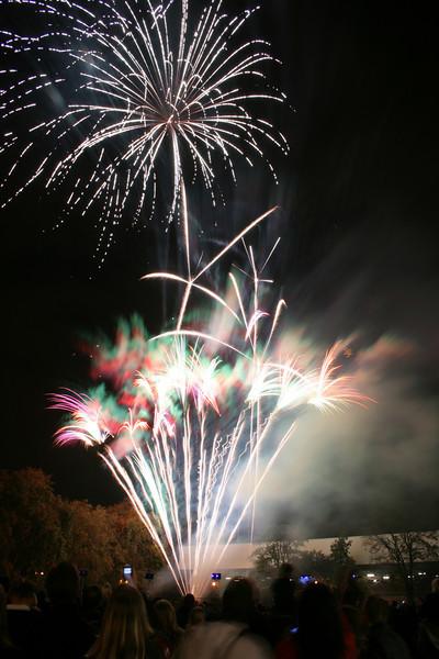 2007_1102putneyfireworks081.JPG