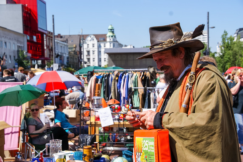 2010-06-06-Flohmarkt 12.jpg