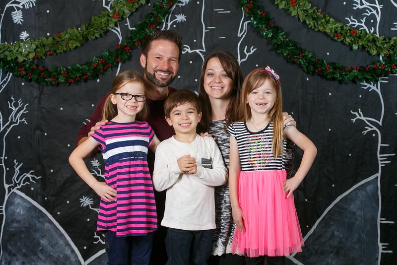 3Crosses-2016-ChristmasPortraits-017.jpg