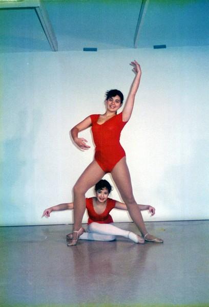 Dance_2027_a.jpg