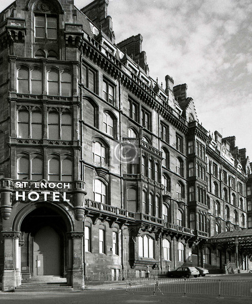 The hotel lay empty for three years before demolition, but it was 1985 before it was decided that what the city really needed was a monstrous glasshouse.