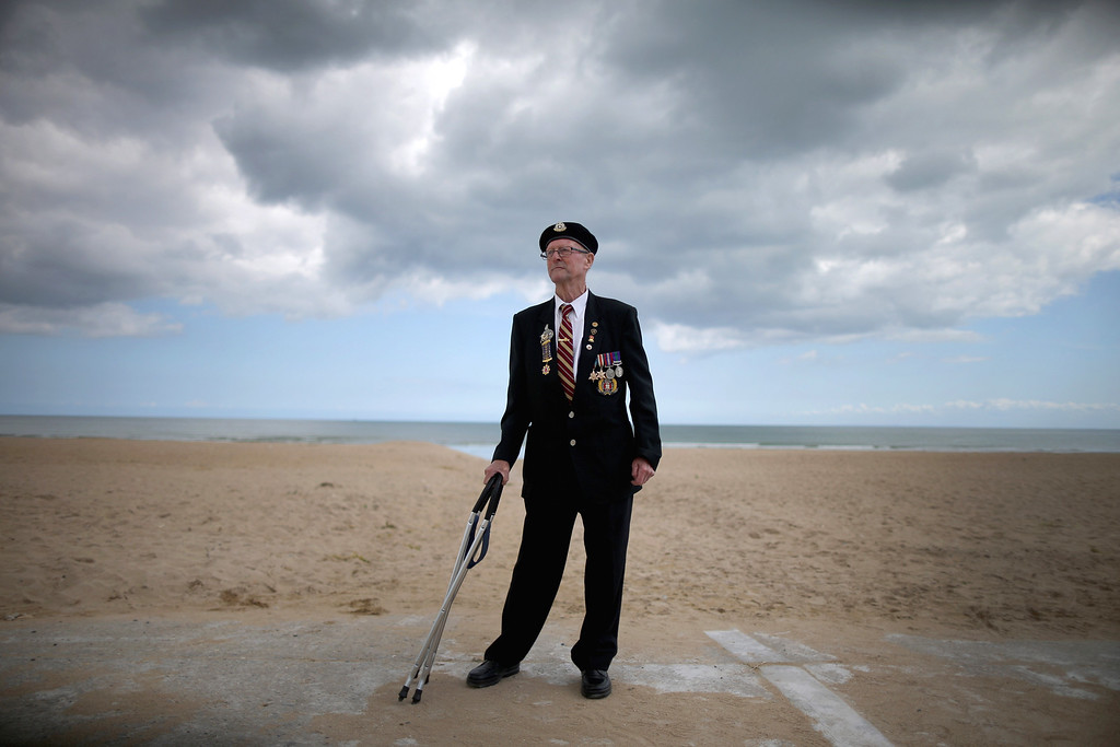 . D-Day veteran Cecil Deller, aged 89, from Cambridgeshire, stands on Sword Beach on June 5, 2014 in Hermanville, France.  (Photo by Christopher Furlong/Getty Images)