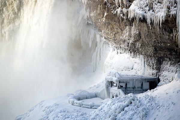 NiagaraFallsastSnowflake