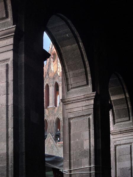 Parroquia thru arches lr.jpg
