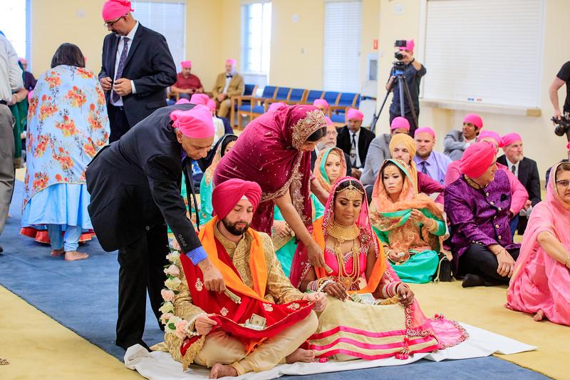 Neelam_and_Matt_Gurdwara_Wedding-1500.jpg
