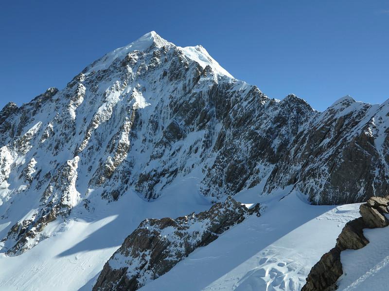 South Face of Nazomi (Low Peak of Aoraki above) from the summit ridge of Pibrac.