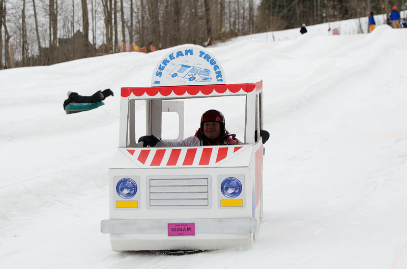 Carnival-Sunday-2014_Snow-Trails_0345.jpg