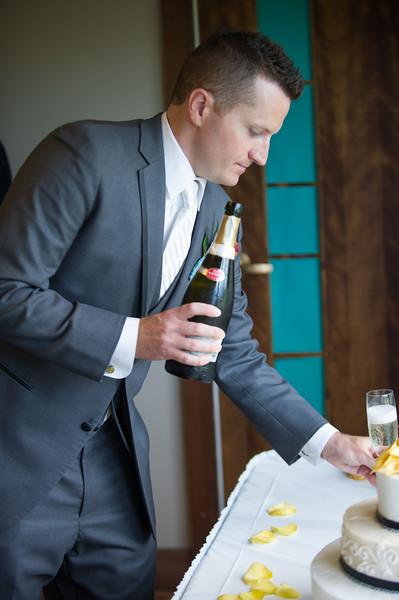 bap_schwarb-wedding_20140906152331_D3S1576