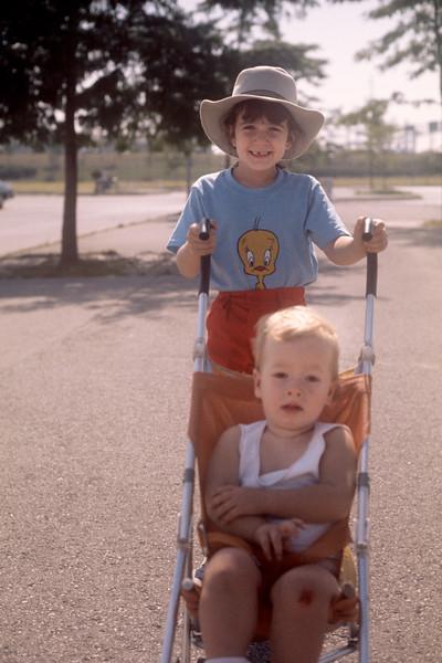 1975_08 Bonnie & Jonathan.jpg