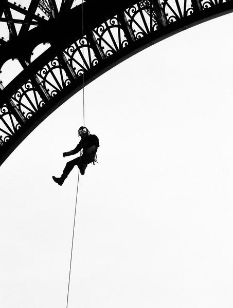 guy hanging.jpg