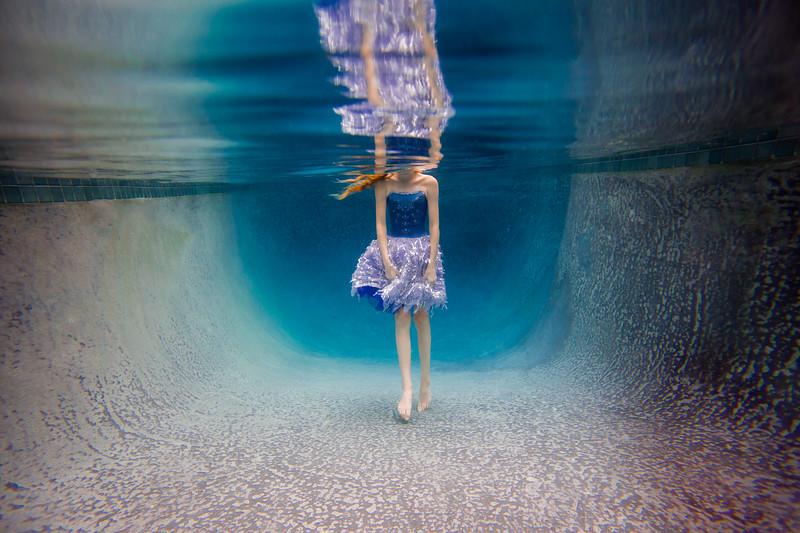UnderwaterJeni8.jpg