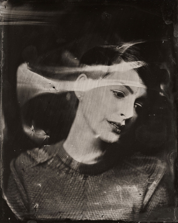 . Anne Hathaway poses for a tintype (wet collodion) portrait at The Collective and Gibson Lounge Powered by CEG, during the 2014 Sundance Film Festival in Park City, Utah. (Photo by Victoria Will/Invision/AP)