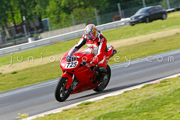 #725 - Red Ducati